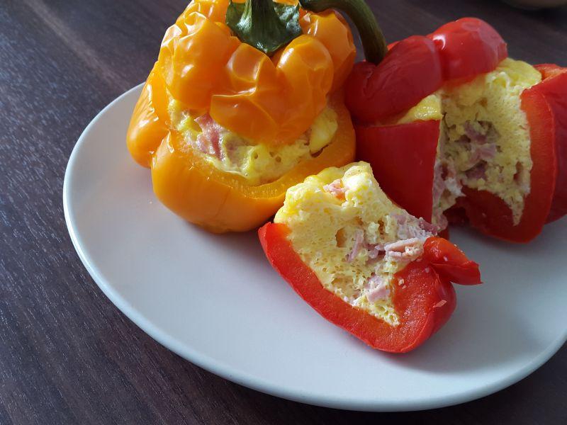 Rezept paprika mit ei f llung paprika isi telur - Eier kochen mikrowelle ...